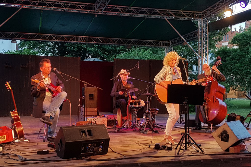 Angela Klee & Band in Wustrow